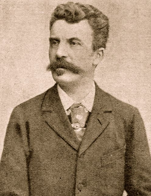 the necklace by maupassant vs the Irony in maupassant's the necklace guy de maupassant's the necklace is situational irony written in 1884 the walter mitty vs the necklace essay.
