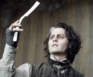 sweeney todd the demon barber of fleet street resim 2